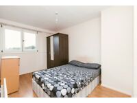 NICE DOUBLE ROOM FOR SINGLE PERSON - WHITECHAPEL -ZONE 2 - AMAZING AREA - CALL ME NOW