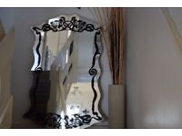 LARGE MIRROR FOR SALE CM118XCM69 VERY GOOD CONDITION