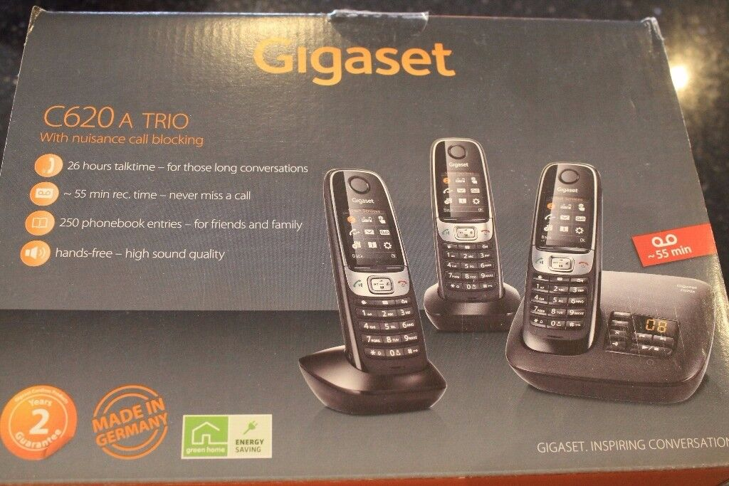 Set of 3 Gigaset cordless telephones with built in answer machine