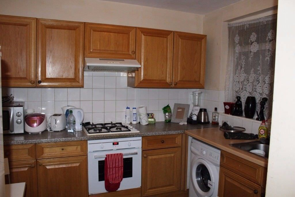*DOUBLE ROOM BY THE CENTRAL LINE! 10 MIN TO LIVERPOOL STREET! NO FEES APPLIED!