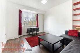2 bedroom flat in Alfred Street, London