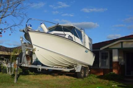 Chivers Safari 23ft Fibreglass Boat