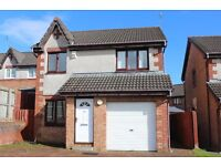 Spacious and bright 3 bedroom detached house with garage and private back garden