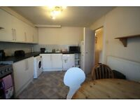 Awesome D/T Room with balcony outside, just behind Archway Station// 195pw