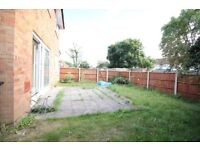 PROPRIETATE DE A INCHIRIA- LUXURY TWO BED GARDEN FLAT NEAR HEATHROW STAINES STANWELL BEDFONT AREAS