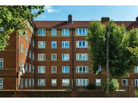 Holman Hunt House - fantastic three double bedroom purpose built apartment