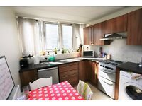 4 double bedroom flat to rent in Battersea in a great location, close to Battersea Park