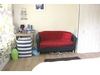 Lovely 2 bedroom , 2 reception house to rent in plaistow #ref2woodsiderd