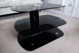 TV STAND IN QUALITY BLACK GLASS EXCELLENT CONDITION