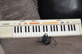 CASIO MT-35 KEYBOARD WITH POWER ADAPTER CAN BE SEEN WORKING