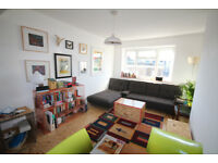 SWANKY & STYLISH 3 BEDROOM FLAT IN KENTISH TOWN NW5