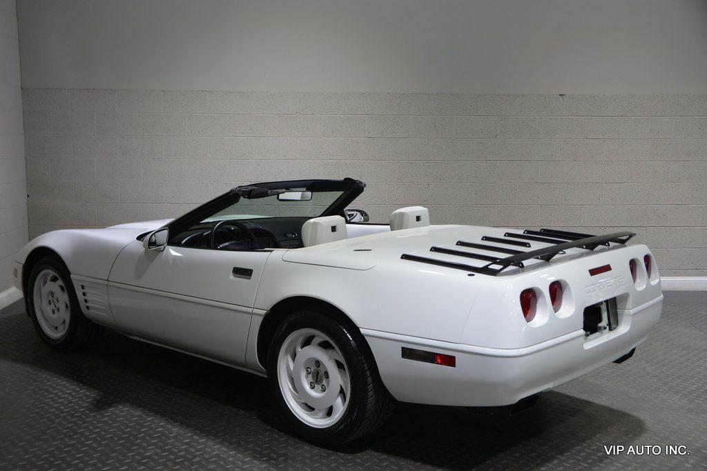 1993 White Chevrolet Corvette Convertible    C4 Corvette Photo 7