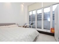 stunning room by BARBICAN STATION !!! 22/7/18
