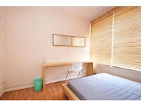 Fantastic large double room available in Oval! View your rooms now!