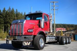 2014 Western Star 4900 Daycab Tri-Drive with 550hp 4900 Daycab T
