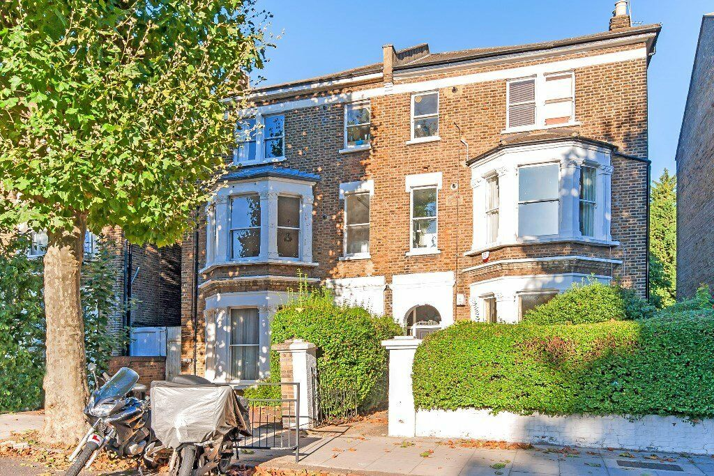 Beautiful large size new three bedroom property in West Hampstead.