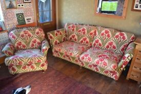 Lovely 3 seater settee and armchair