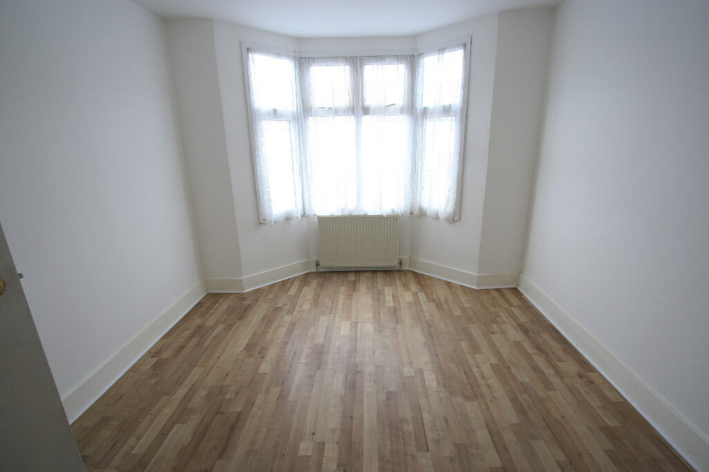 £500 ALL BILLS INCLUDED!!!!LOVELY DOUBLE ROOM FOR RENT IN THORNTON HEATH
