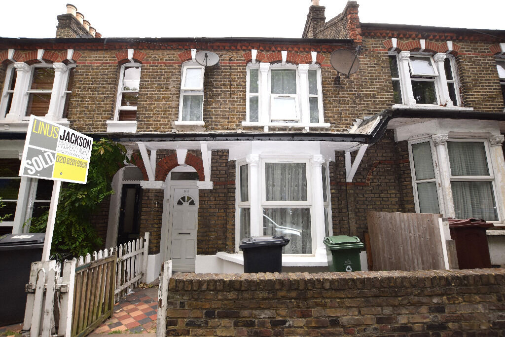 Lovely two/three bedroom Victorian terrace Walthamstow