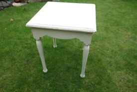 Small table for upcycle