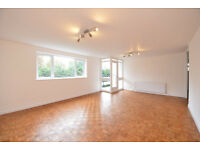 LARGE ONE BEDROOM APARTMENT TO RENT IN GOLDERS GREEN