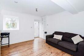 *** Beautifully presented one bedroom ground floor conversion flat, Wolseley Road, N8 ***