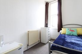 CHEAP Single roomin KILBURN** 5min walk from Station** MOVE IN ASAP **