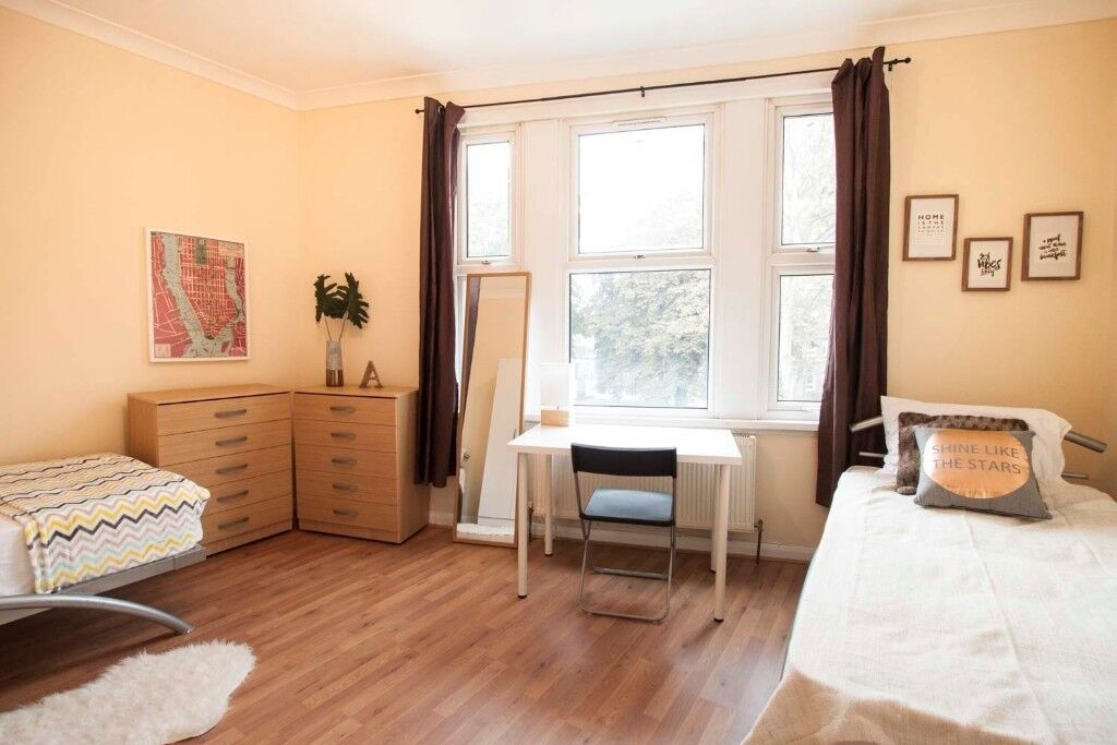 ***** LOVELY TWIN ROOM FOR COUPLE/FRIEND IN EAST HAM *****