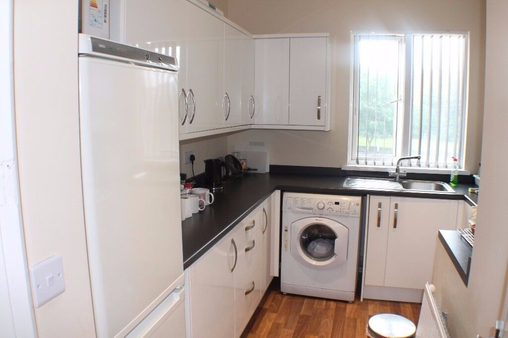 ***1 BED APARTMENT ON STANNINGLEY ROAD***