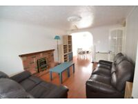 The location of the spacious two bed flat would make you believe you are living in the countryside.