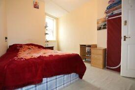 Wonderful En-Suite Double Bed Room EAST FINCHLEY (ZONE 2)