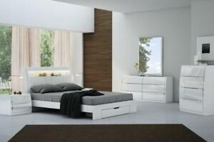 QUEEN STORAGE BEDROOM SET - BEST SELECTION OF BEDS ON OUR WEBSITE- WWW.KITCHENANDCOUCH.COM (BD-1054)