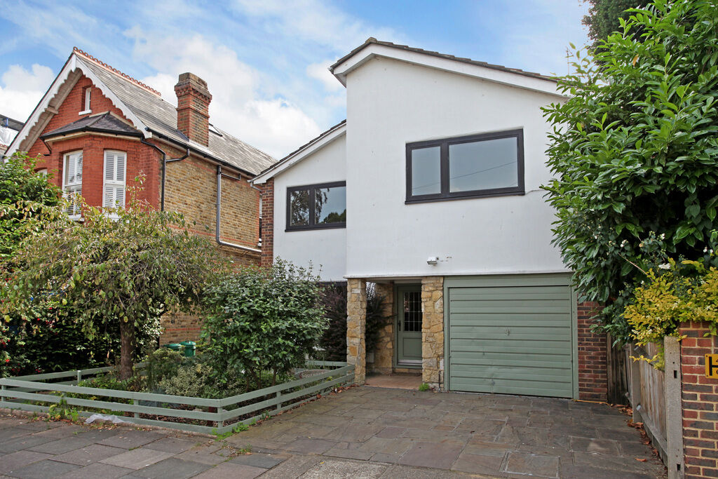 4 bedroom house in Upper Park Road, Kingston Upon Thames, KT2