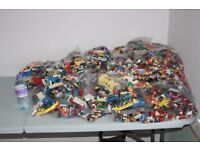 Large amount of genuine lego in 300g bags