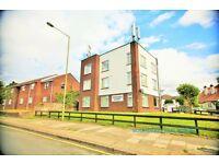3 bedroom flat in Edmund Court, Vivian Avenue, Hendon, NW4