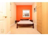 !!!THE CHEAPEST ROOM IN CANARY WHARF IS HERE! CALL ME NOW! 150 OFFERS AVAILABLE THIS MONTH!