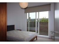 Brand New 1 bed flat - Top floor with Large Balcony VACANT Convenient Location E3 Must View! JS