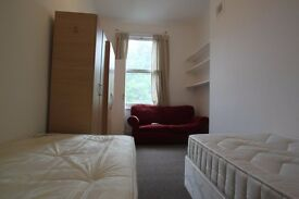 MASSIVE TWIN ROOM - AVAILABLE NOW - CALEDONIAN ROAD - CALL 07921845343!!! ALL INC