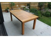 Modern Oak Dining Table - good condition - seats 6+