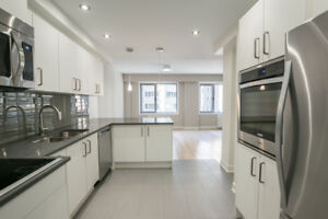5 1/2 - Renovated 3 bed  2 bath - Doorman/Gym/Terrace - Downtown