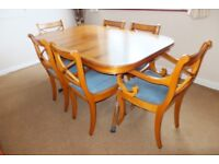 Antique effect extendable dining table with 6 chairs