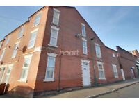 TOP FLAT 368 DENMAN ST WEST NG7 3FN - 3BED FLAT 10 MINS FROM CITY CALL 9AM TO 5PM FOR MORE ENQUIRIES