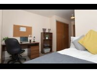 STUDENT ROOM TO RENT IN LEICESTER. A ROOM WITH WARDROBE, STUDY DESK AND CHAIR
