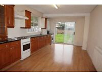 Ilford IG1. Light & Spacious 2 Bed Fully Furnishedd Flat with Private Garden, Driveway & Cellar