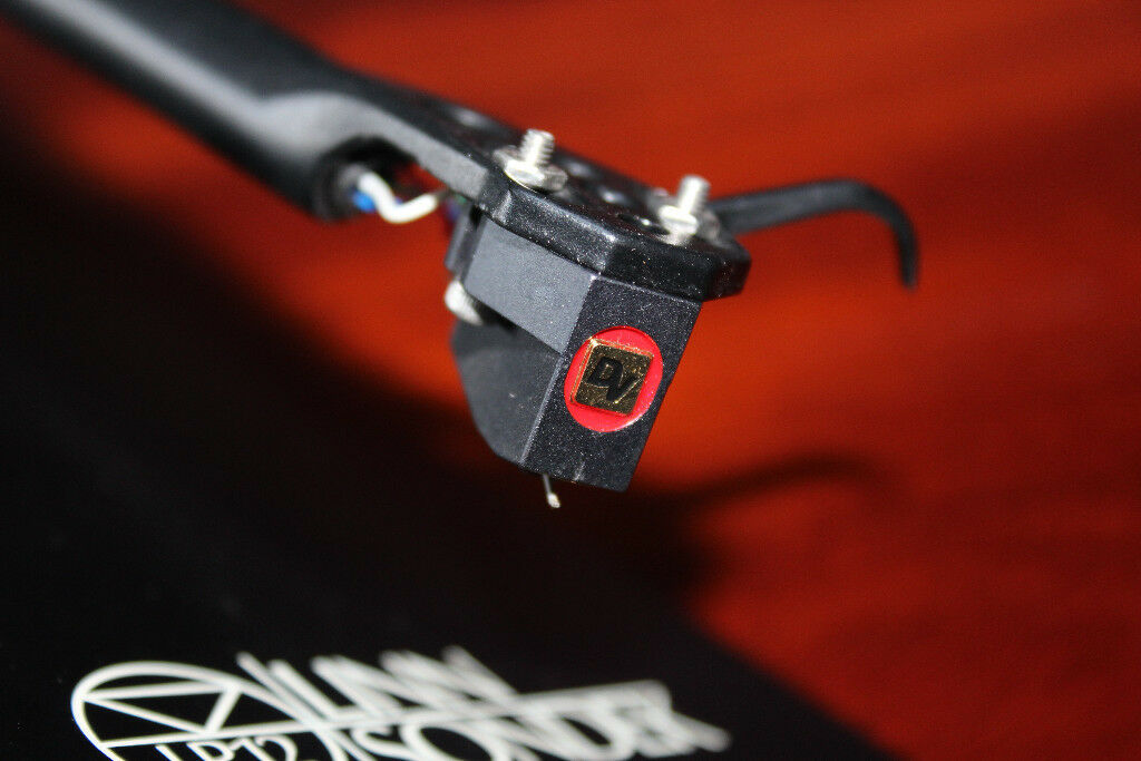 A used Dynavector DV-20x high-output moving coil cartridge and a Rega RB250 Tonearm