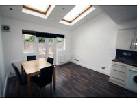 WOW WOW!! THE PERFECT FLAT FOR SHARERS IS HERE!!!DON'T MISS IT! 3 BEDROOM FLAT WITH PRIVATE GARDEN