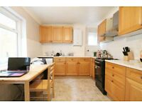 WOW AMAZING DEAL - DOUBLE ROOM EXCELLENT CONDITION WITH GARDEN