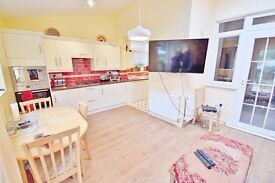 ***SPACIOUS 4 BEDROOM, 2 RECEPTION SEMI-DETACHED HOUSE WITH GARDEN ON AMBERLEY ROAD, ENFIELD EN1***