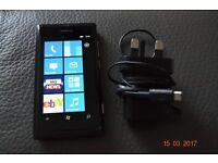 Nokia Lumia 800. 16 GB. Black.