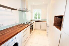 3 bedroom flat in Montpelier Road, Ealing, W5